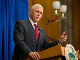 Wisconsin's Walker to join with Pence at rally