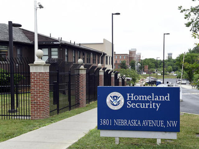 800 immigrants mistakenly given United States citizenship