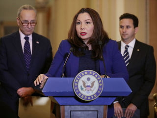 Senator could become 1st to give birth in office