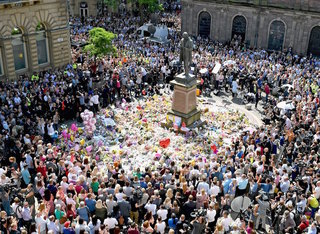 Stars appear at Manchester bombing tribute