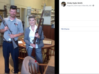 Miss. Sen. posed with Confederate artifacts